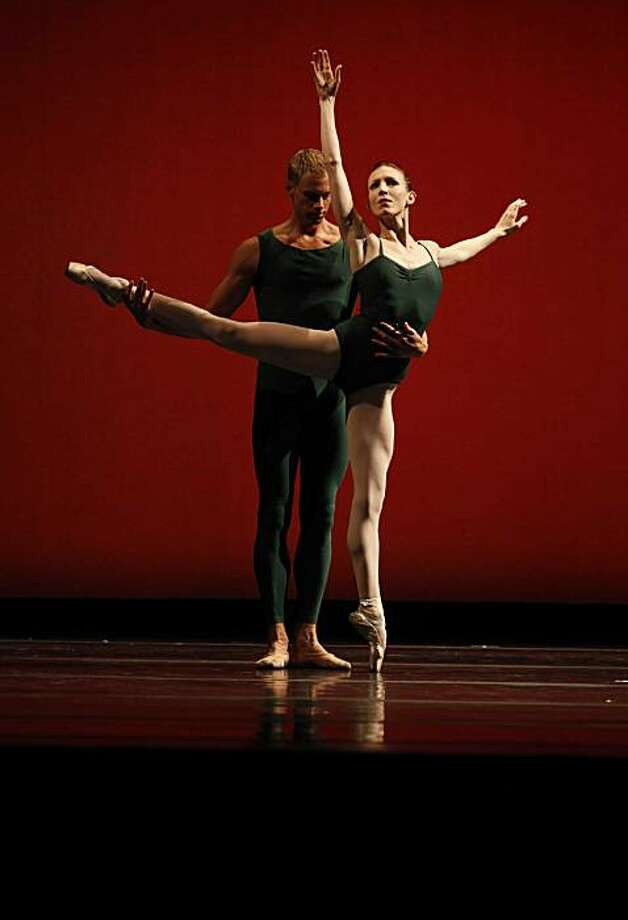 "Gabriell Lamb and Andrew Crawfrod perform in Christoher Wheeldon's ""Morphoses"" at the Memorial Auditorium on Friday January 22, 2009 in Stanford, Calif. Photo: Mike Kepka, The Chronicle"