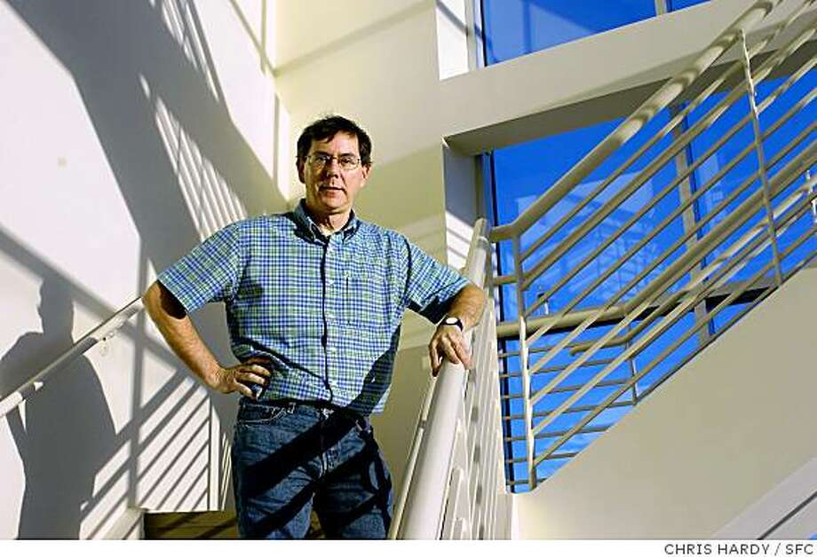 genentech30087_CH.jpg Story on Genentech and CEO Art Levinson11/25/03 in South San Francisco. Photo: CHRIS HARDY, SFC