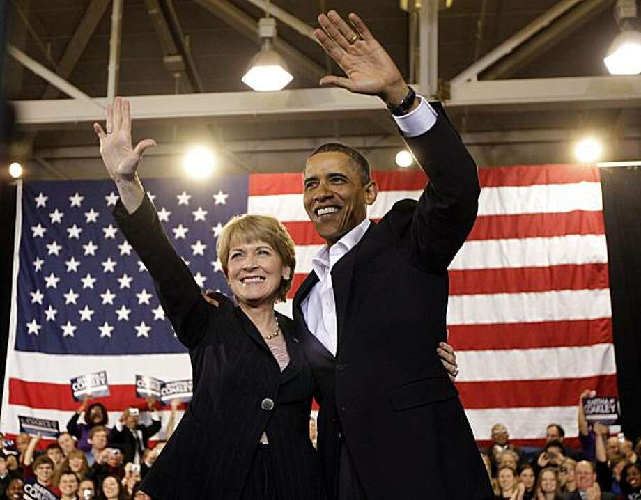 President Barack Obama waves at a campaign stop for Democratic senate candidate, Massachusetts Attorney General Martha Coakley at Northeastern University in Boston, Sunday, Jan. 17, 2010. Photo: Alex Brandon, AP