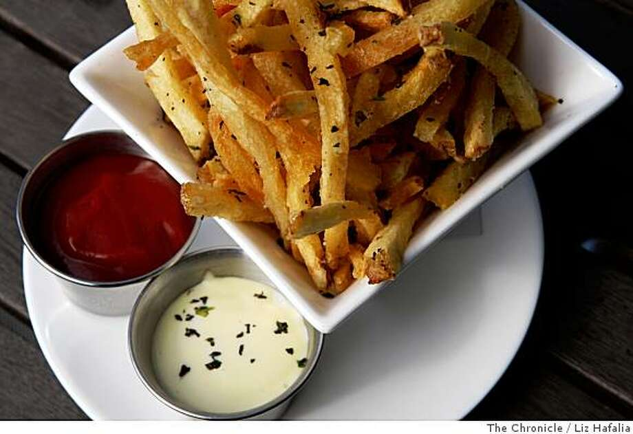 Truffle fries made by B Restaurant & Bar in San Francisco, Calif., on Thursday, July 17, 2008. Photo by Liz Hafalia/The Chronicle Photo: Liz Hafalia, The Chronicle