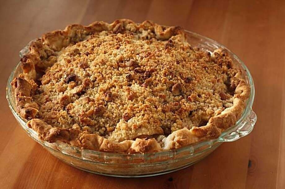 Apple Pie 2009 in San Francisco, Calif., on November 4, 2009. Food styled by Rose Amoroso. Photo: Craig Lee, Special To The Chronicle
