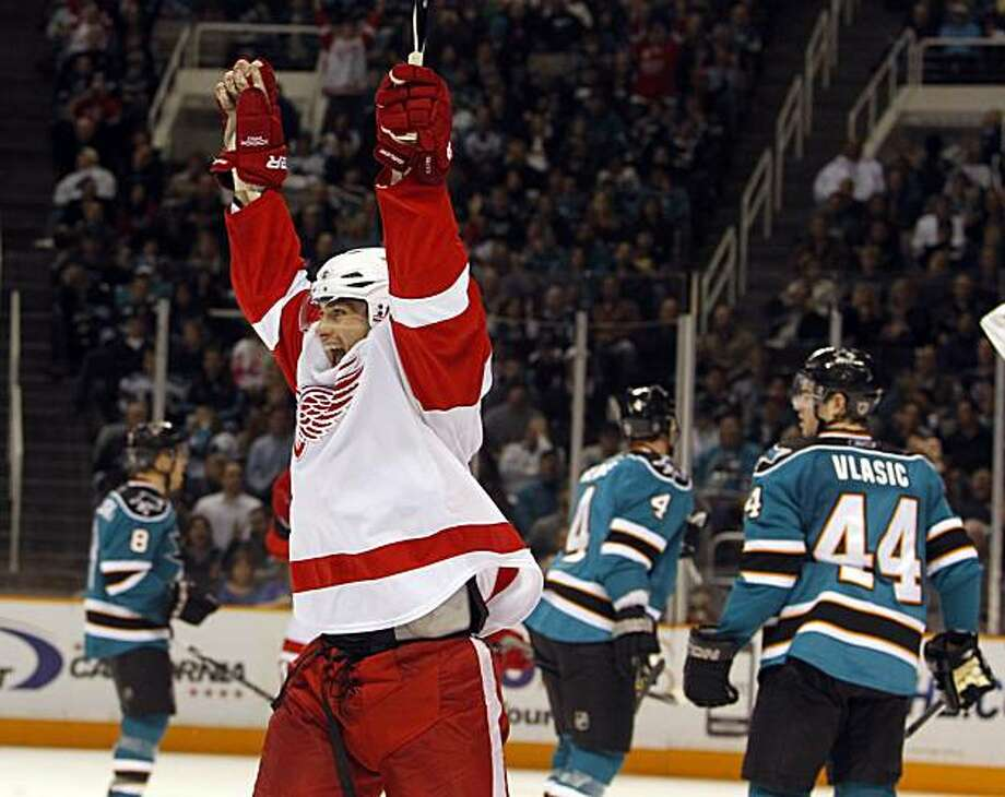 Detroit Red Wings right wing Patrick Eaves celebrates after scoring against the San Jose Sharks during the second period of an NHL hockey game in San Jose, Calif., Saturday, Jan. 9, 2010. Photo: Marcio Jose Sanchez, AP