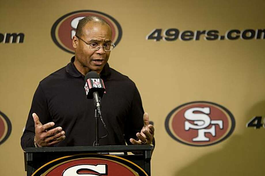 San Francisco 49ers head coach Mike Singletary holds a news conference in Santa Clara, Calif. on Monday, Jan. 4, 2010, discussing the end of the regular 2009 NFL football season. Photo: Adam Lau, The Chronicle