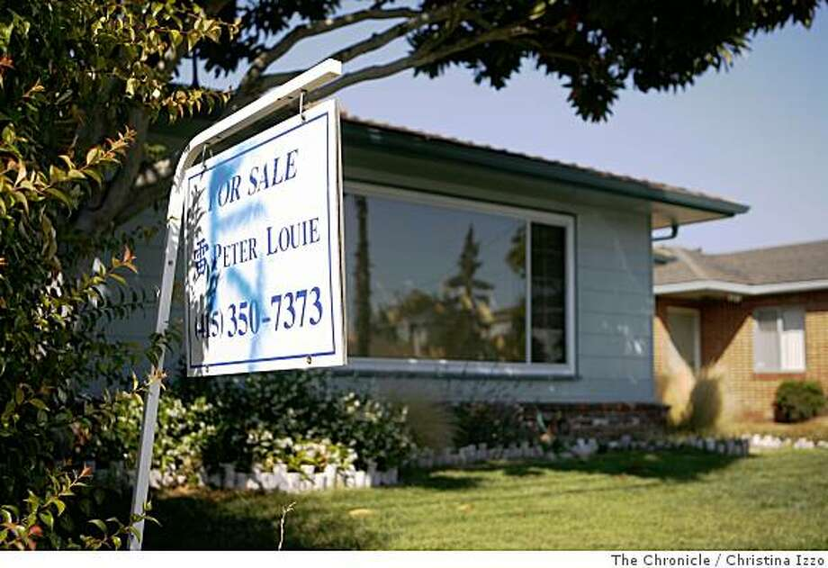 A huge percent of home sales these days are foreclosed properties, such as this Alameda, Calif., home which sold at a discount. Photo by Christina Izzo / The Chronicle Photo: Christina Izzo, The Chronicle