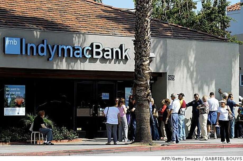 Customers line up in front of an IndyMac Bank branch in Santa Monica on Monday, July 14, 2008. Getty Images photo by Gabriel Bouys/AFP/ Photo: GABRIEL BOUYS, AFP/Getty Images