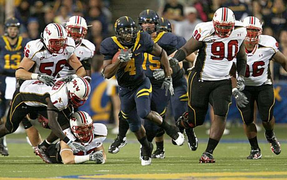 California #4 Jahvid Best scores Cal's first touchdown with a 72 yard run in the first quarter. CAL defeated Maryland 52-13 Sept 5, 2009. Photo: Lance Iversen, The Chronicle