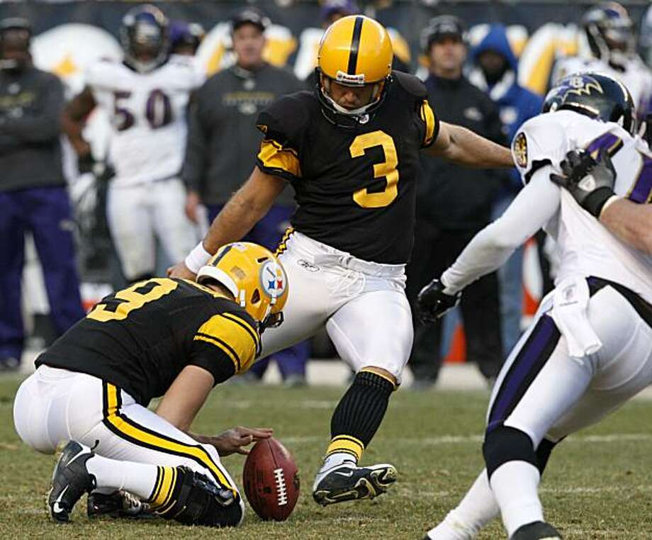 Pittsburgh Steelers' Jeff Reed (3) kicks a 38-yard fourth-quarter field goal against the Baltimore Ravens during an NFL football game  in Pittsburgh, Sunday, Dec. 27, 2009. The Steelers won 23-20. (AP Photo/Gene J. Puskar) Photo: Gene J. Puskar, AP