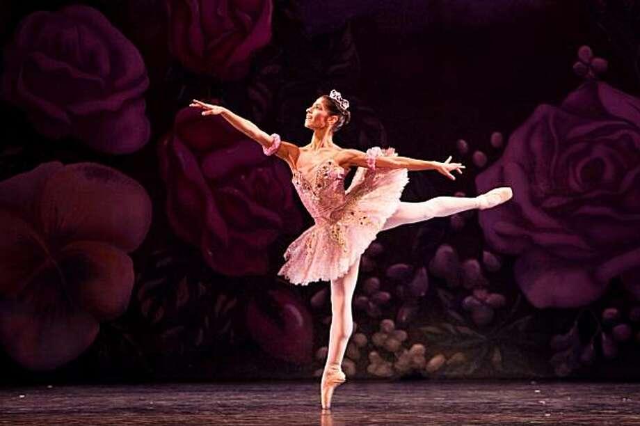 Dancer: Jenna McClintock, Principal dancer, Oakland Ballet Company; Sugar Plum Fairy, Dec. 24 and Dec. 26 at 7:30pm, Paramount Theatre; Photo credit: Edward Casati Photo: Edward Casati