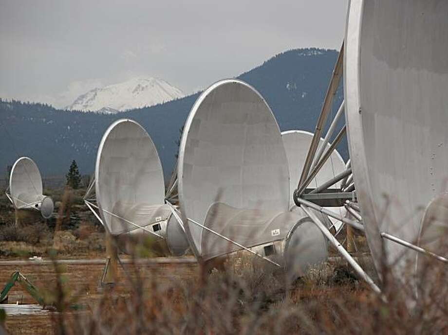 SPACE: Telescopes in Hat Creek, Calif., are designed to systematically scan the skies for radio signals sent by advanced civilizations from distant star systems and planets. Illustrates SPACE (category a), by Marc Kaufman (c) 2009, The Washington Post.  Photo: Marc Kaufman, Washington Post