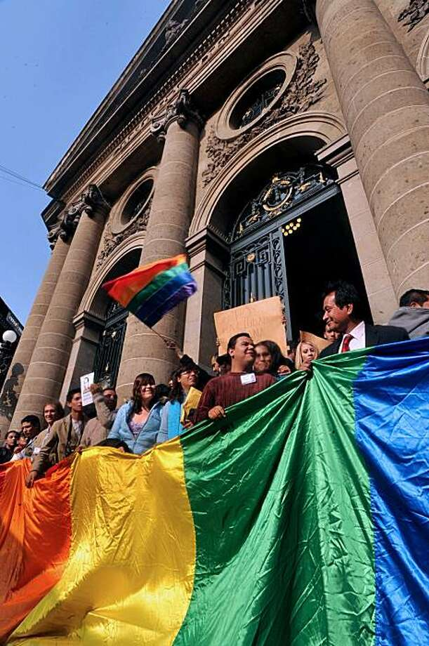 Members of the gay community celebrate the approval of same-sex marriage in Mexico City, on December 21, 2009. Photo: ALFREDO ESTRELLA, AFP/Getty Images