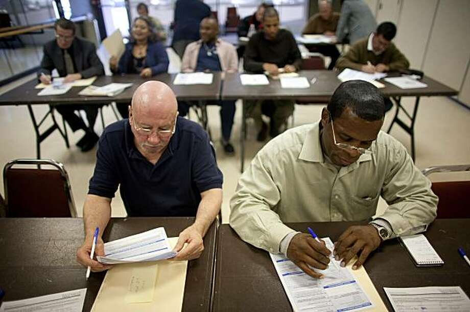 Residents apply for U.S. Census jobs at the Walnut Hill Recreation Center in Dallas, Texas in December 2009. Next year's census will not only count people, it will put money in millions of pockets and potentially create a well-timed economic spark. Not in more than a half-century has the United States Census been conducted amid such high rates of joblessness. (Allison V. Smith/The New York Times) Photo: Allison V. Smith, NYT
