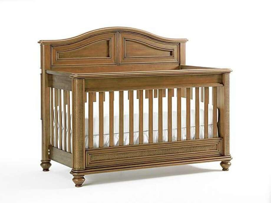 Tomi's Lifestyle crib Photo: LaJobi