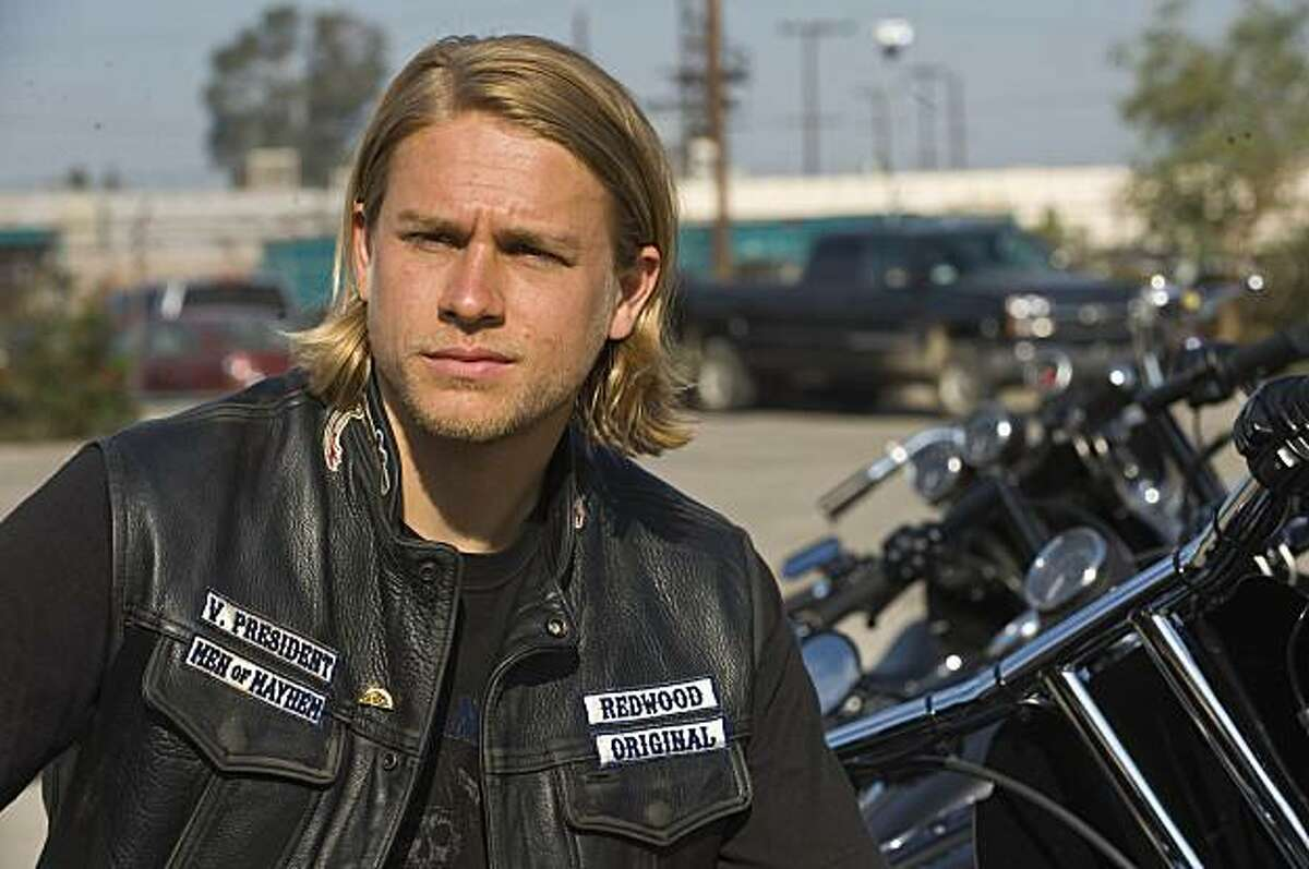 Charlie Hunnam as Jackson in