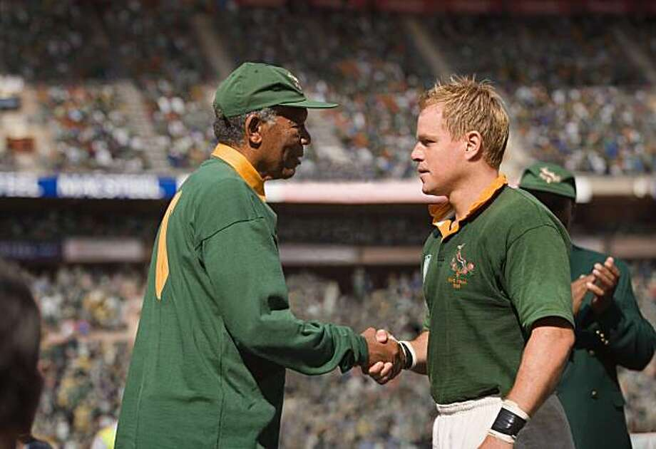 MORGAN FREEMAN as Nelson Mandela and MATT DAMON as Francois Pienaar in Warner Bros. PicturesÕ and Spyglass EntertainmentÕs drama ÒInvictus,Ó a Warner Bros. Pictures release. Photo: Keith Bernstein, Warner Bros. Entertainment