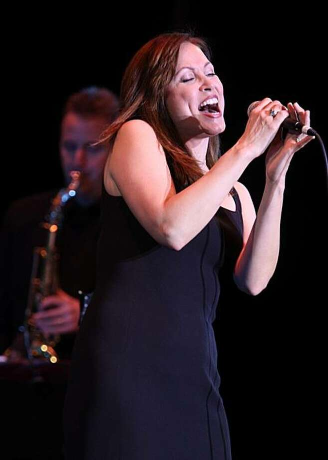 Broadway singer Linda Eder performing at the Palace of Fine Arts in San Francisco, Calif., on Friday, March 28, 2008.    Photo by Liz Hafalia / San Francisco Chronicle Photo: Liz Hafalia, The Chronicle