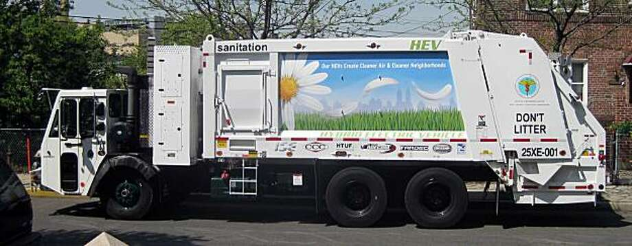 A Department of Sanitation hybrid garbage  truck in New York City on Nov. 19, 2009. (NEW YORK DEPARTMENT OF SANITATION via The New York Times) -ADV 1129 Photo: NY Dept Of Sanitation, NYT