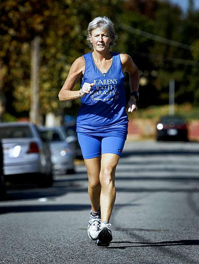 Karen Queally prepares to run in her 102nd marathon in San Bruno, Calif., on Saturday, Nov. 14, 2009. Photo: Paul Chinn, The Chronicle