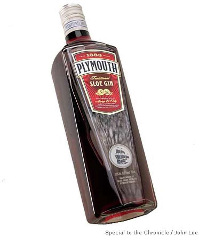 SIPPINGNEWS02_02_JOHNLEE.JPG APRIL 24, 2008: Plymouth Traditional Sloe Gin.BY JOHN LEE / SPECIAL TO THE CHRONICLE Photo: John Lee, SFC / ONLINE_YES