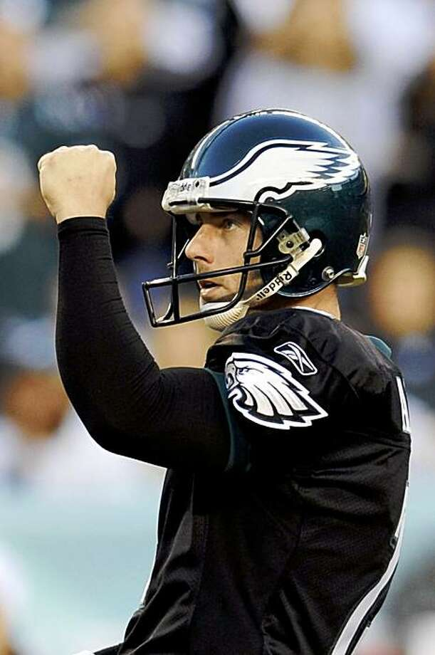Philadelphia Eagles' David Akers reacts after kicking the go-ahead field goal in the second half of an NFL football game against the Washington Redskins, Sunday, Nov. 29, 2009, in Philadelphia. Philadelphia won 27-24. (AP Photo/Michael Perez) Photo: Michael Perez, AP