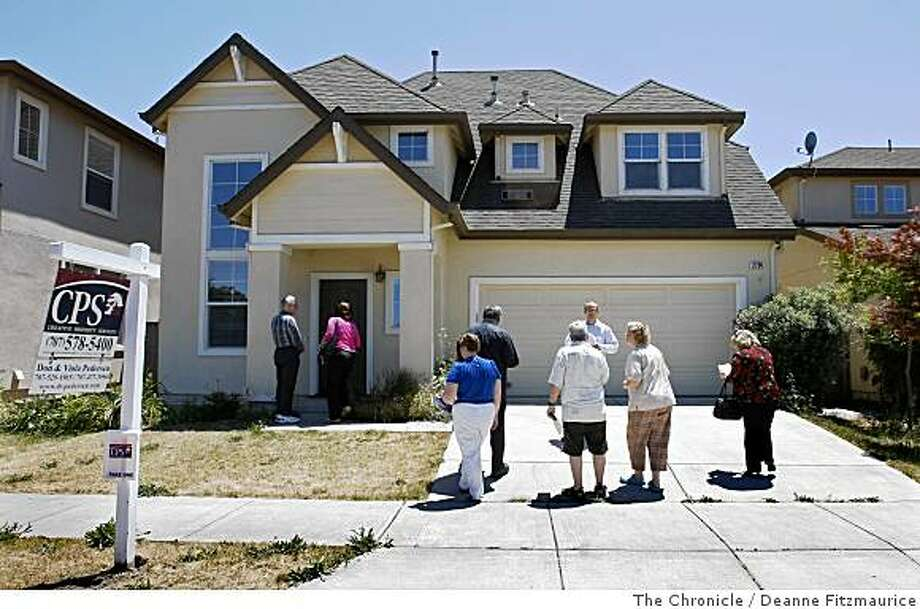 Cash Back Home & Loans is offering tours of foreclosed homes including this one with teh asking price of $327,900 in Santa Rosa, Calif. on June 7, 2008.  Photo by Deanne Fitzmaurice / The Chronicle Photo: Deanne Fitzmaurice, The Chronicle