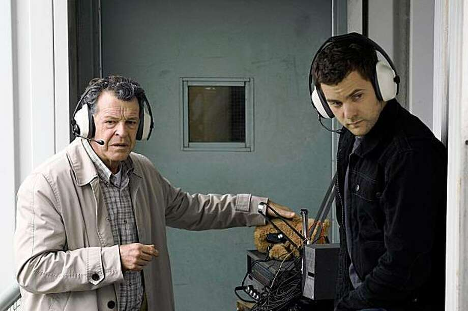 """FRINGE: Peter (Joshua Jackson, R) and Walter (John Noble, L) investigate a kidnapping that rapidly escalates into a hostage situation in New York and discover that an unknowable force has mind-blowing consequences in the FRINGE episode """"Of Human Action"""" airing Thursday, Nov. 12 (9:00-10:00 PM ET/PT) on FOX. CR: Liane Hentscher/FOX FRINGE: Peter (Joshua Jackson, R) and Walter (John Noble, L) investigate a kidnapping that rapidly escalates into a hostage situation in New York and discover that an unknowable force has mind-blowing consequences in the FRINGE episode """"Of Human Action"""" airing Thursday, Nov. 12 (9:00-10:00 PM ET/PT) on FOX. CR: Liane Hentscher/FOX Photo: Liane Hentscher, FOX"""