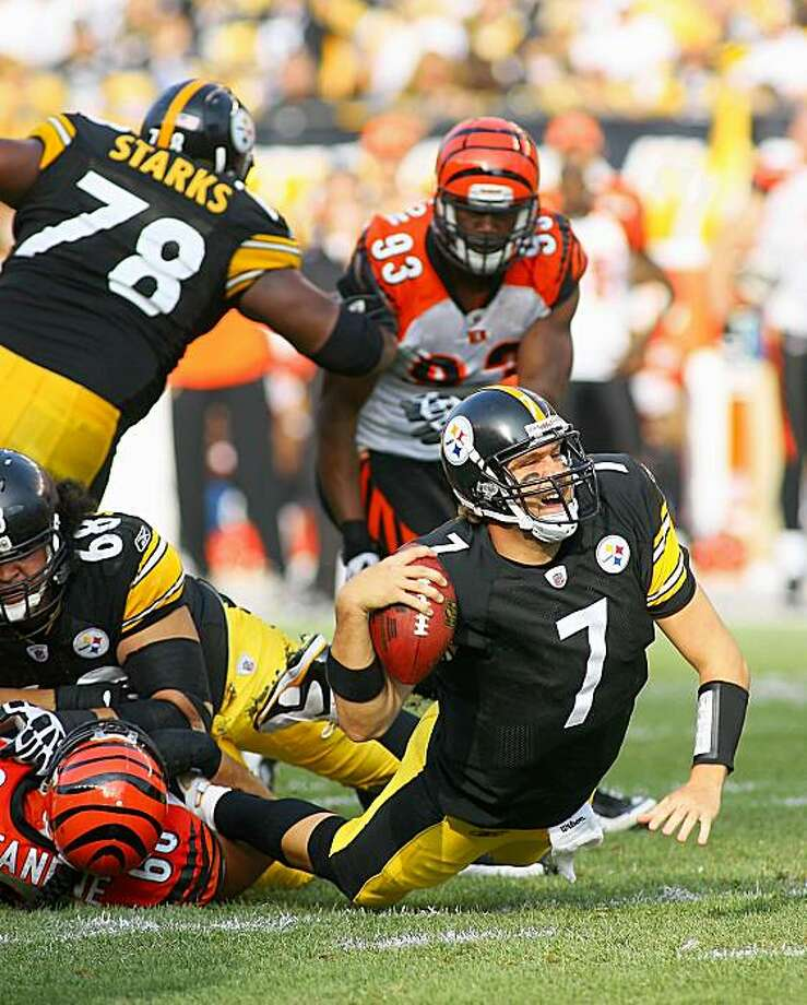 PITTSBURGH - NOVEMBER 15: Ben Roethlisberger #7 of the Pittsburgh Steelers is sacked by Jonathan Fanene #68 of the Cincinnati Bengals at Heinz Field on November 15, 2009 in Pittsburgh, Pennsylvania.  (Photo by Rick Stewart/Getty Images) Photo: Rick Stewart, Getty Images