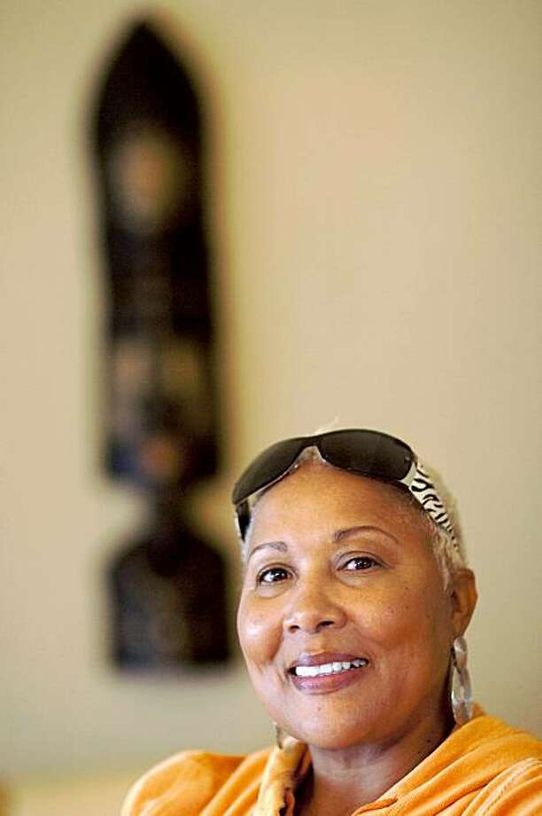 Venita Satterfield poses for a photo in her home, November 20, 2009 in Oakland, Calif.  Photo by David Paul Morris/Special To The Chronicle Photo: David Paul Morris, Special To The Chronicle