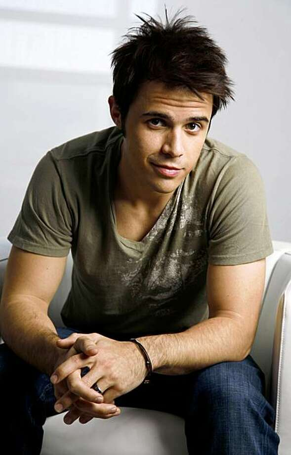 """Kris Allen, winner of the singing competition series, """"American Idol,"""" poses for a portrait in West Hollywood, Calif., on Tuesday, Nov. 3, 2009. (AP Photo/Jason Redmond) Photo: JASON REDMOND, AP"""