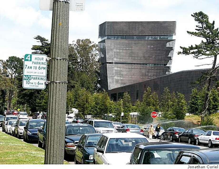 Parking around the DeYoung museum in san Francisco is limited to four hours. Photo: Jonathan Curiel