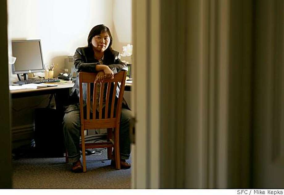 Yiyun Li is one of three local recipients of this years top literary honor called the Whiting Award. Photo taken on 10/17/06. Mike Kepka / The Chronicle Photo: Mike Kepka, SFC