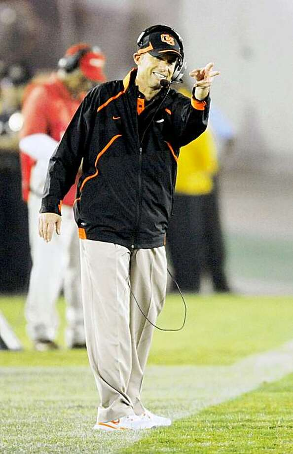 LOS ANGELES, CA - OCTOBER 24:  Mike Riley head coach of the Oregon State Beavers follows his team from the sideline during the foruth quarter against USC Trojans during the college football game at Los Angeles Memorial Coliseum on October 24, 2009 in Los Angeles, California.  (Photo by Kevork Djansezian/Getty Images) Photo: Kevork Djansezian, Getty Images