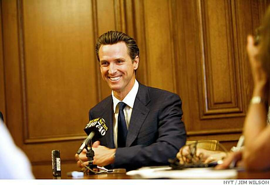 (NYT28) SAN FRANCISCO -- May 15, 2008 -- CALIF-GAY-MARRIAGE-8 -- Mayor Gavin Newsom smiles while speaking to reporters in San Francisco about the state Supreme Court ruling on Thursday, May 15, 2008. Same-sex couples have a constitutional right to marry, the California Supreme Court ruled Thursday. (Jim Wilson/The New York Times) Photo: JIM WILSON, NYT