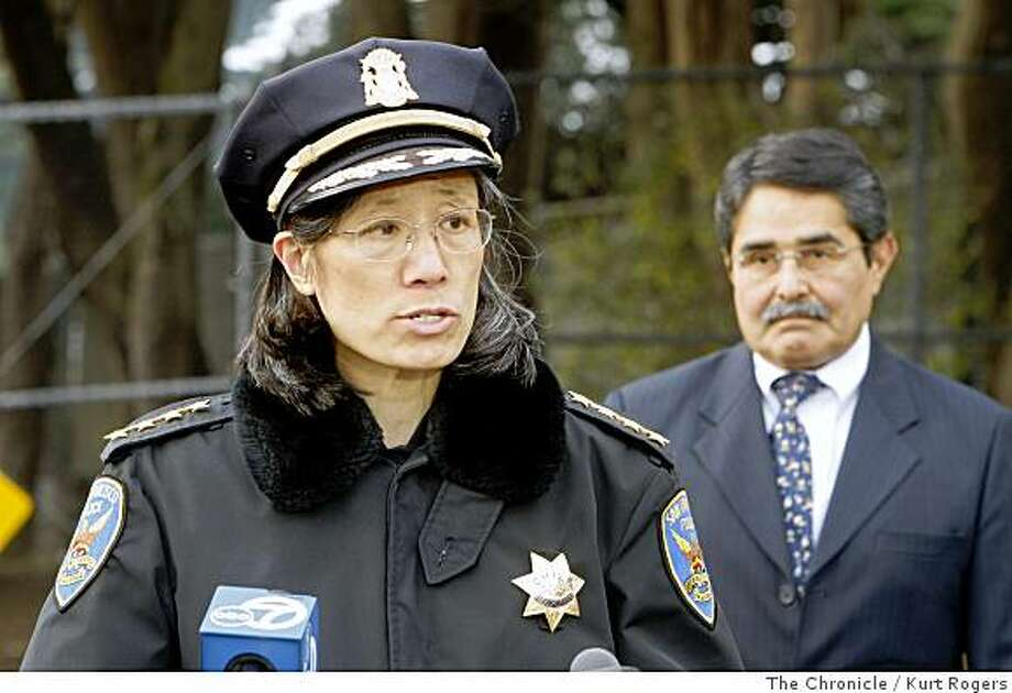 San Francisco Zoo Director Manuel Mollinedo  with the Cheef of police Heather Fong during a press conference out side the San Francisco Zoo.TIGER29_ZOO_0087_KR.jpgKurt Rogers / The ChroniclePhoto taken on 12/28/07, in San Francisco, CA, USA Photo: Kurt Rogers, The Chronicle