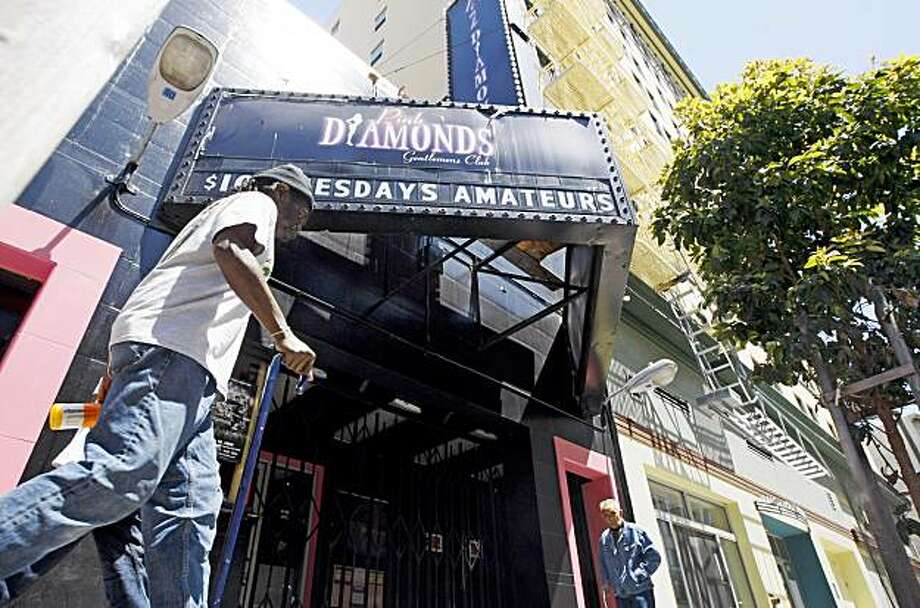 An early morning homicide exposes a troubled nightspot in San Francisco. The Pink Diamonds gentlemenÕs club at 220 Jones Street was the scene of an early morning shooting that sent three men to the hospital with gunshots wounds. Saturday June 27, 2009. Photo: Lance Iversen, The Chronicle