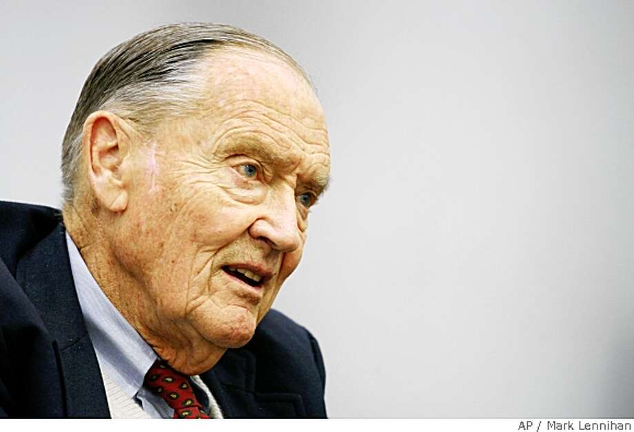 John Bogle, founder of The Vanguard Group, talks during an interview at The Associated Press on Tuesday, May 20, 2008 in New York. (AP Photo/Mark Lennihan) Photo: Mark Lennihan, AP
