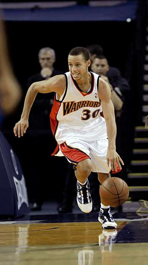 The Warriors's rookie guard Stephen Curry. The Golden State Warriors played the New Orleans Hornets at Oracle Arena in Oakland, Calif., on Thursday, October 22, 2009. The Warriors defeated the Hornets 126-92. Photo: Carlos Avila Gonzalez, The Chronicle
