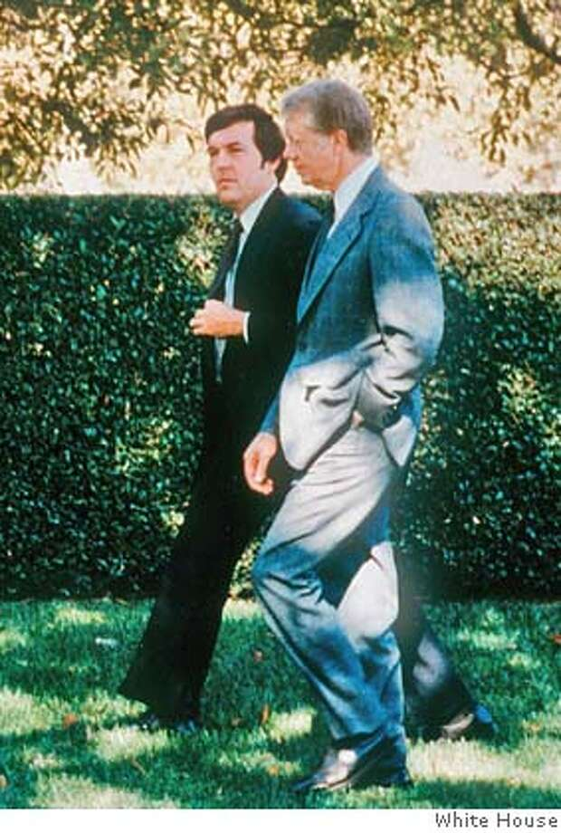 ** RETRANSMISSION FOR IMPROVED QUALITY ** ** FILE ** In this undated file photo provided by the White House, President Jimmy Carter, right, walks the grounds of the White House with Hamilton Jordan. Jordan, a political strategist from south Georgia who helped propel Carter to the White House where Jordan served as chief of staff, died Tuesday, May 20, 2008 after a long battle with cancer. He was 63. (AP Photo/The White House)