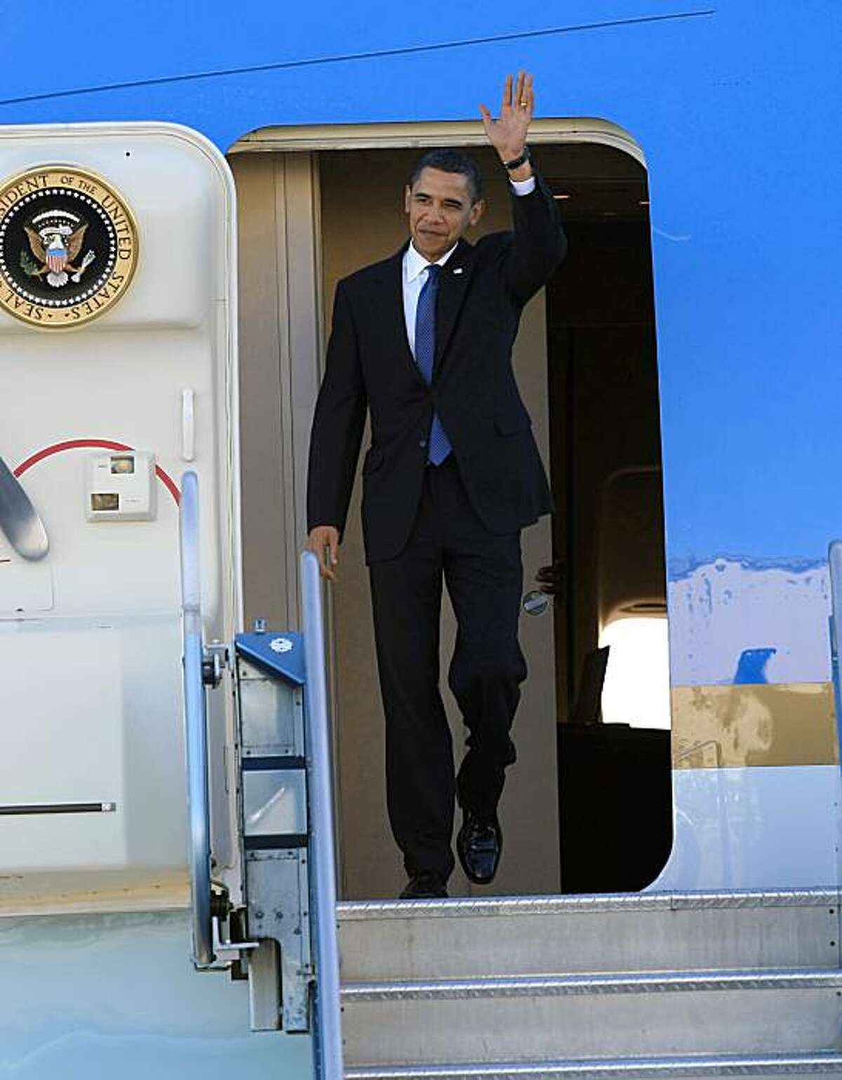 President Obama arrives on Air Force One at SFO in San Francisco on Thursday.