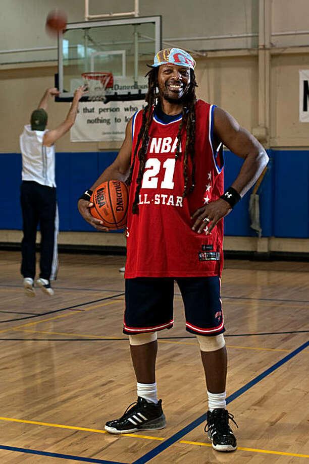 basketball sports editorial