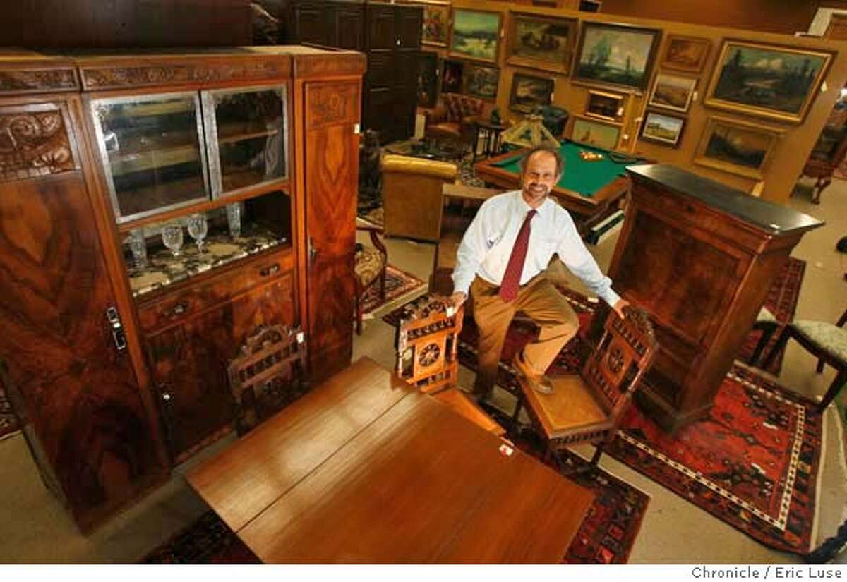 ###Live Caption:Clars Auction House CEO Redge Martin is surprised by the slow sales in