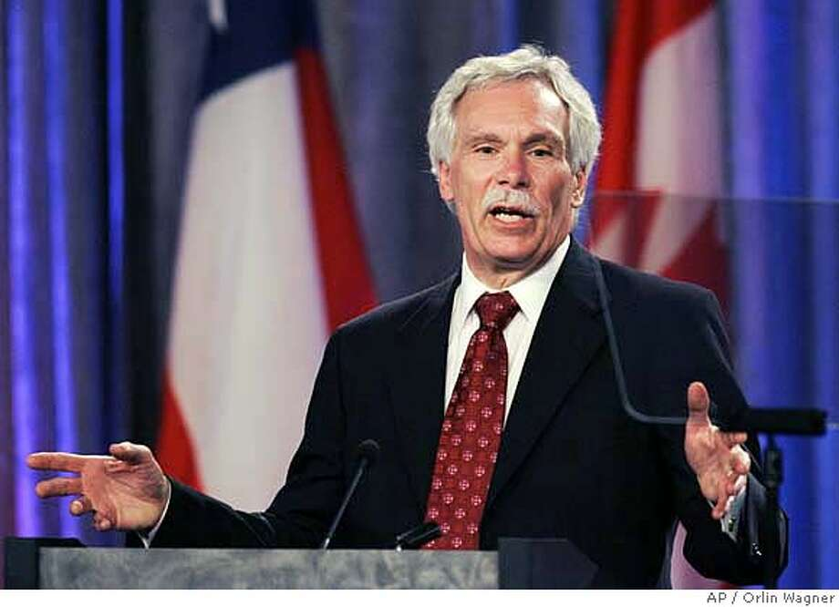 ###Live Caption:Agriculture Sec. Ed Schafer speaks during the International Symposium on Agroterrorism in Kansas City, Mo., Thursday, April 24, 2008. (AP Photo/Orlin Wagner)###Caption History:Agriculture Sec. Ed Schafer speaks during the International Symposium on Agroterrorism in Kansas City, Mo., Thursday, April 24, 2008. (AP Photo/Orlin Wagner)###Notes:Ed Schafer###Special Instructions: Photo: Orlin Wagner