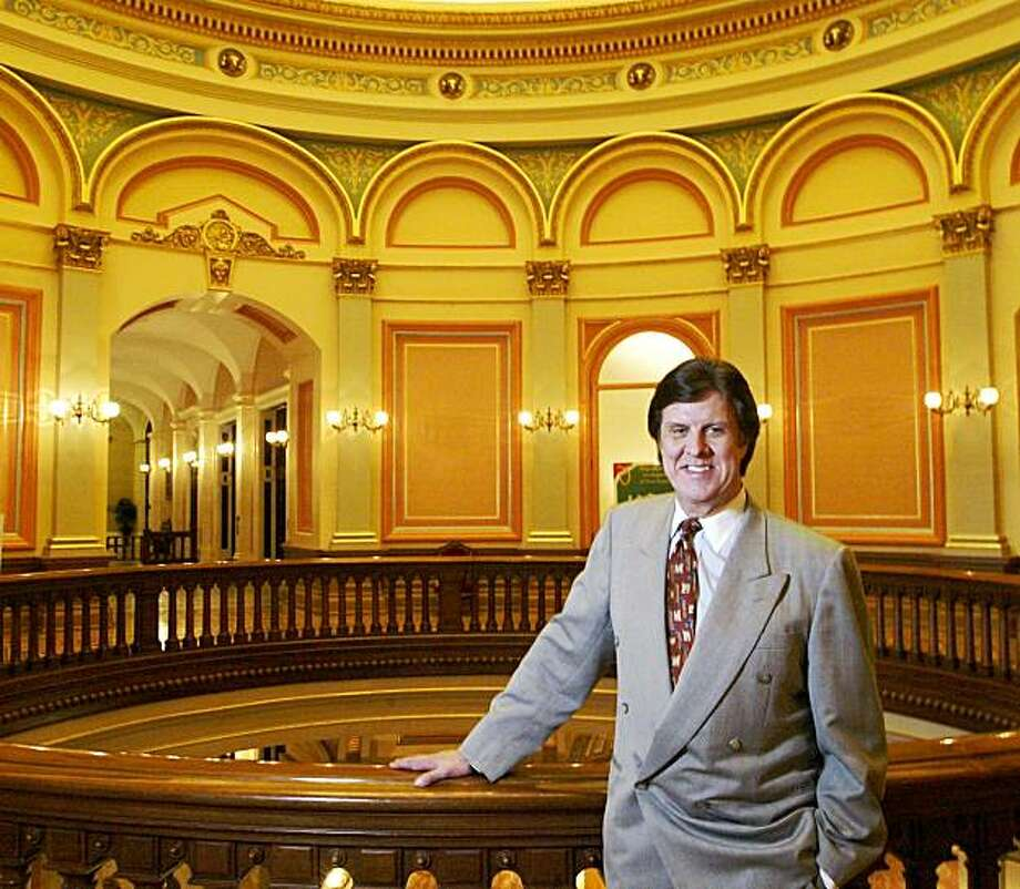 Garry South, political advisor to California Governor Gray Davis in the Capitol Building in Sacramento on Monday, January 21, 2002. Photo: Carlos Avila Gonzalez, The Chronicle