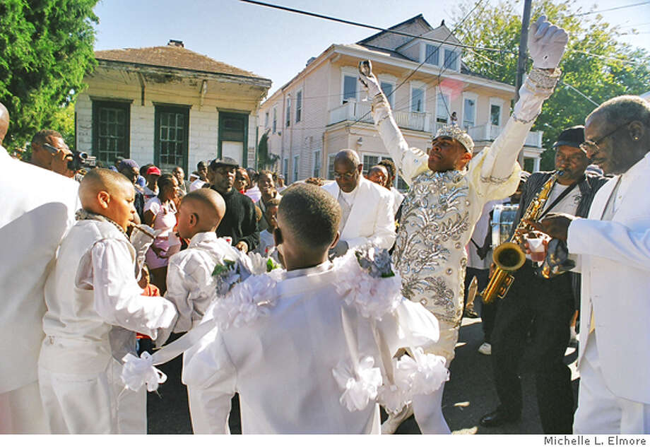 Musician, Glen David Andrews as �King� of the New Orleans Money Wasters Social, Aid & Pleasure Club, 2002. Photo: Michelle L. Elmore