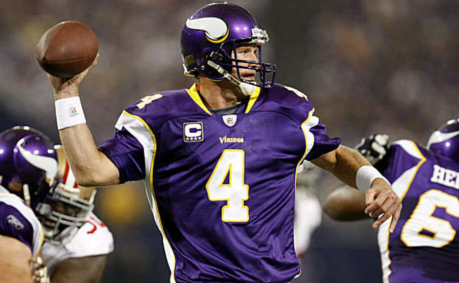 Minnesota Vikings quarterback Brett Favre throws a pass first down pass against the San Francisco 49ers , Sunday Sept. 27, 2009, in Minneapolis, Minnesota Photo: Lacy Atkins, The Chronicle