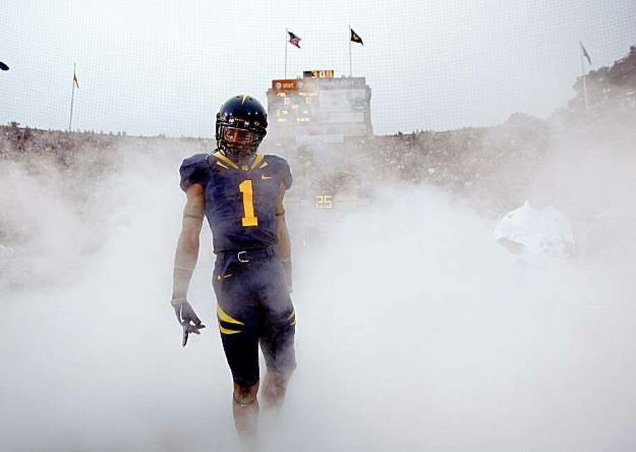 BERKELEY, CA - SEPTEMBER 05:  Marvin Jones #1 of the California Golden Bears runs on to the field for their game against the Maryland Terrapins at California Memorial Stadium on September 5, 2009 in Berkeley, California.  (Photo by Ezra Shaw/Getty Images) Photo: Ezra Shaw, Getty Images