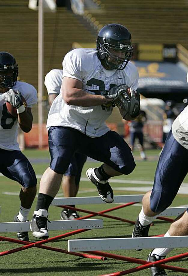 Cal fullback Brian Holley participates in spring practice at Memorial Stadium on the UCB campus in Berkeley, Calif., on March 31, 2009. Photo: Michael Maloney, The Chronicle
