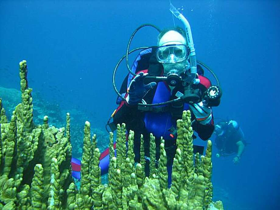 Gil Zeimer scuba diving off at one of Kosrae's moored dive sites that surrounds the island. Photo: NA