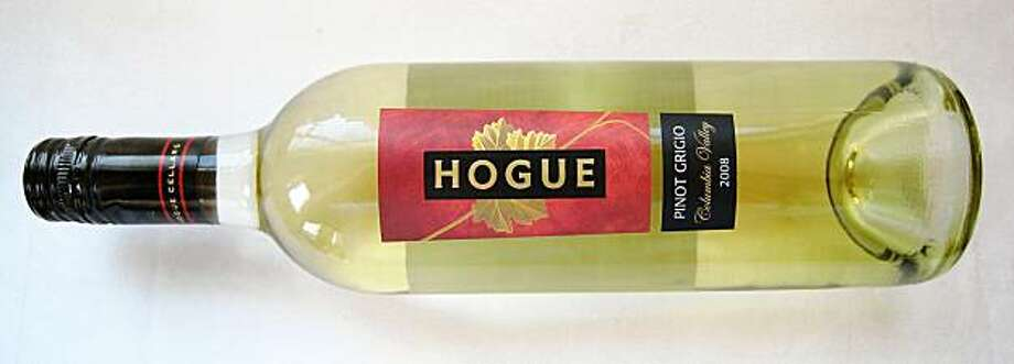 Hogue Cellars Columbia Valley Pinot Grigio Photo: Erick Wong