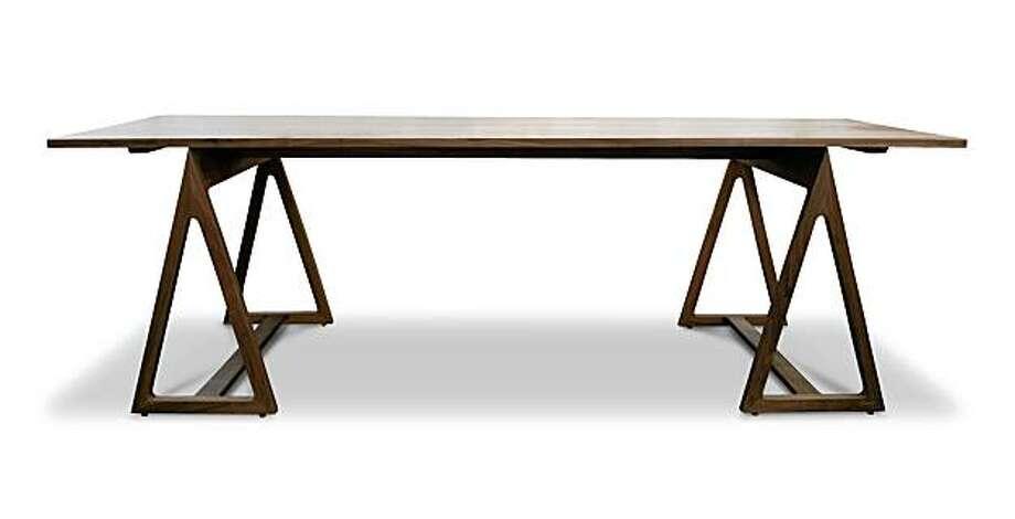 Adler sawhorse table Photo: Adler