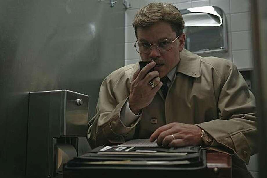 "Matt Damon as Mark Whitacre in ""The Informant!"" TID-02697r MATT DAMON stars as Mark Whitacre in Warner Bros. PicturesÕ offbeat comedy ÒThe Informant!.Ó Photo: Claudette Barius, Warner Bros."